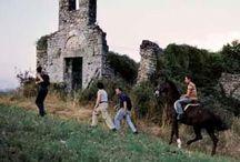 Cammini di fede / Il Lazio è una delle regioni più importanti d'Italia per i suoi contenuti storici, artistici, archeologici, architettonici, religiosi e culturali.  L'immenso e straordinario patrimonio ospitato dalla città di Roma è solo uno fra i centinaia di punti di interesse tra paesi, chiese, monasteri, monumenti e siti vari della regione.