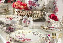 Set πρωινού / Φλυτζάνι τσαγιέρα πιάτα