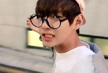 BTS a V with glasses