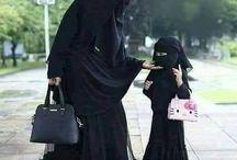 الأم الصالحة   مدرسة كبيرة لبنتها   تتعلم فيها العفة والحياء والاخلاق الحميده  ✌ فقط كوني أم صالحة