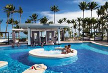 Swim-up Bars / by RIU Hotels and Resorts