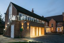 PUBLIC HOUSE TRANSFORMED INTO BEAUTIFUL HOME / Original Project by Majik House