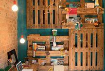 Home Office / Nada como um belo ambiente de trabalho. Além de inspirador, faz com que o serviço flua de maneria mais leve prática. Veja algumas desas ideias  para uma decoração nossa no seu cantinho.