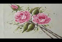 rosas a mano alzada
