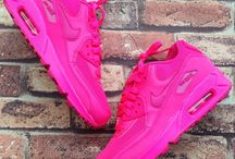 air max shoes / they are so cool