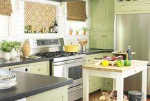 Kitchens / by Julie Hail Dillon