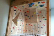 Built Rock Climbing Bed / Some people are extremely passionate about rock climbing.So passionate that they'll turn their very own bedroom into an artificial, Most want themed bedrooms with cowboys, sports teams, cars, or dolls, but one Redditor turned his into a rock climber's dream using lumber and hardware from Lowe's along with climbing holds.