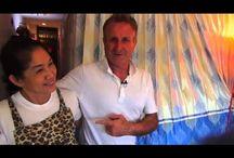 Видеосюжеты из Таиланда от журнала NetZim / Наш адрес в интернете http://www.netzim.ru/  Сюжеты о жизни русских в Таиланде, разных районах, городах этой страны, достопримечательностях, еде, ценах и так далее - все, что может заинтересовать туриста или путешественника из России. Видео можно смотреть как на сайте netzim.ru так и на YouTube. Приятного просмотра!