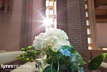 modern white wedding  / A modern white wedding at the Fort Worth Modern Art Museum.