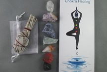 Chakra Kits / Raw Crystals Chakra Set with Sage - Smudge Kit, Chakra Kit, Meditation Crystal, Raw Crystals and Stones, Chakra Heal Crystal & Stone