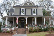 beautiful houses I love / by Julia Greenway