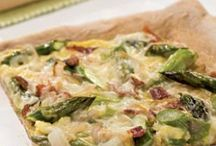 Pizza Recipes / by Jaclyn Almeida