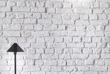 TOMAS / La firma de luminarias Pujol Iluminación lanza TOMAS, una completa colección de diseño vanguardista que permite gran polivalencia de uso. Inspirada en el volumen perfecto de la pirámide su diseño presenta un equilibrio perfecto entre el plano y las líneas curvas, dando como resultado un cuerpo de estética chic.