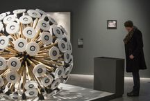 Hypervital | Biennale Internationale Design Saint-Etienne 2015 / Dire et agir... trouver l'accord parfait, l'équilibre dans la turbulence. Nous sommes dans une période de très forte créativité, d'inventions et de productions intenses mais aussi de prises de résolutions inassouvies qui tentent toujours de réorganiser le monde face à notre propre déprédation.