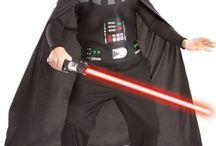 Star Wars / Stroje i gadżety nawiązujące do bohaterów filmów George'a Lucasa. Coś, co z pewnością przypadnie do gustu fanom Star Wars.
