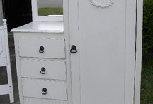Brocante cabinets
