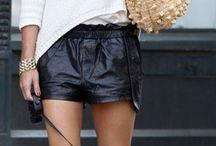 short couro , trico e bolsa palha