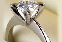 Inele de logodna / Engagement rings / Inele de logodna cu diamante, safire, smaralde si alte pietre pretioase.