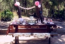 Picnic Wedding / Picnic weddings are growing more & more popular. More for the laid-back, outdoor-loving couple...picnic weddings are fun and (can be) inexpensive. We have found some very creative picnic wedding ideas to try!