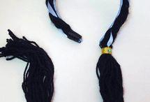 perucas e tiaras de lã