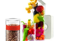 The Kitchen Guide / We feature essential kitchen tools which make cooking more fun and easy!