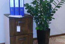 Тумба для офиса / Наши Заказчики очень последовательность люди.... Заказав мебель домой они хотят и в офисе пользоваться предметами интерьера из натурального дерева. Нам приятно потакать таким желаниям^)  И вот результат - тумба для офиса ручной работы из массива.