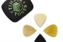 JAZZ TONES / Jazz Tones are our take on the Famous Jazz III Guitar Pick. They are 2.2mm thick and taper down to a very sharp precise playing Tip. They are designed for extreme speed and precision as they have a very small amount of playing tip proud of the thumb and no flex at all.