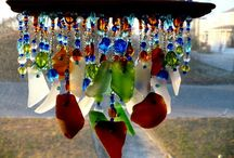 Addicted to mobiles / Hanging mobiles