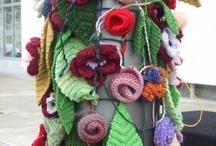 Yarn Bombing Fans / by Tienda Kyoko