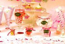 Vaisselle jetable / Sélection de vaisselle jetable à petit prix mais design et de qualité : assiettes plastiques et carton, gobelet, verrines... tout pour faire une belle table !