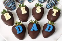 Father's Day Gift Ideas / Golden Edibles creates the most delicious chocolate covered treats perfect for your Dad on Father's Day.