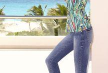 Alto Verão 2014 | Carmen Steffens / A nova campanha do Alto-Verão, lançamento 2 da Carmen Steffens, promete ótimas inspirações. Fotografada na paradisíaca Punta Cana, com a top Annelyse Schoenberger, traz as peças-desejo da temporada de calor. Por lá, tons vibrantes como pink, turquesa e vermelho acendem a cartela de cores de sandálias poderosas e rasteiras que são a cara dos dias na praia. Então, vem espiar as novidades e eleja já os seus preferidos.
