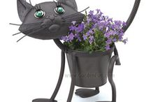 Ötletes virágcserepek / Virágok, dísznövények nem csak unalmas cserepekben tárolhatók, hanem egyre több ötletes, vicces, kreatív megoldást találhatunk a boltokban. Összegyűjtöttünk párat :)  Kaspók és virágtartók rendelhetők itt: http://www.fitoland.hu/kategoriak/kaspok_viragtartok_27