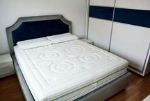 Dormitor Modern cu Pat Tapitat