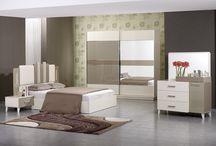Yatak Odaları /  1001 Çeşit Mobilya Çanakkale'de mobilya ve halı ürünlerinin perakende satışını yapmaktadır.Bu galeride yatak odası takımlarımızın resimlerini yayınladık.Daha ayrıntılı olarak görmek isteyenleri www.1001cesitmobilya.net sitesine ya da mağazalarımıza bekliyoruz.......