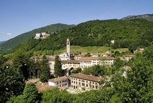 CastelBrando and surroundings / La bellezza di un parco di 50 ettari con sentieri da cui si gode una visione mozzafiato sul territorio circostante. I dintorni del castello e le bellezze che ci regala la natura
