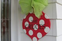 christmas me crafts / by Colleen Condon Touranjoe
