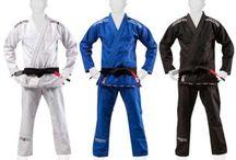 Unifomi Kimoni BJJ Brazilian Jiujitsu / kimoni per la pratica del BJJ Brazilian Jiu Jitsu. Uniformi delle marche Yoryu, Venum e Grips.