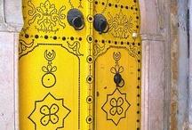 Tunézia utazás / Tunézia izgalmas felfedezés: végeláthatatlan tengerpartok, egy merőben más kultúra és ókori látnivalók. Méghozzá hihetetlenül kedvező áron. Last minute Tunézia utazás ajánlatok: http://www.divehardtours.com/tunezia-utazas/