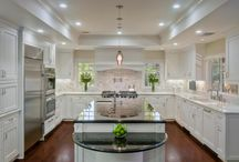 The Kitchen of your Dreams! / If you're considering buying a house with an ugly kitchen, get ideas to renovate and renew, make it your own.