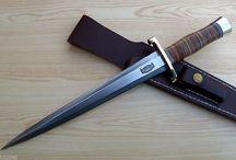 Armas brancas (katanas, karambits, facas, kukri, etc)