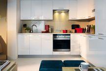 Kuchnia w roli głównej / Kuchnia to serce domu - jest miejscem spotkań, wspólnych posiłków i niezliczonych rozmów. Postaw na nasze kuchnie modułowe i dostosuj to pomieszczenie do własnych potrzeb.