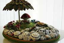 Fairy garden container / by Maria Bertrand