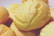 Pães, pães de queijo e geleias