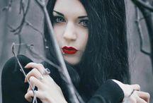 Goth n' (hell no) gothish / alternative girls and beautiful stuff