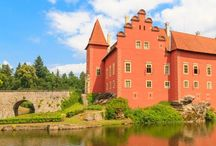 Hrady a zámky v Česku