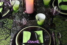 Halloween Table / Halloween Tablescapes, Place Settings, Buffets, Serving Pieces / by Chellie Hailes