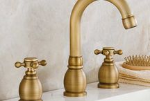 GOLD TAPS & SHOWERS