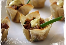 FINGER FOOD AND APPETIZERS / http://noblepig.com/2013/02/sloppy-chili-cheese-fries-giveaway/ / by Carole Resnick