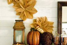 Thanksgiving Table Decor / We all want a beautiful Thanksgiving Table. The kid's thanksgiving table is equally as important. Find the prettiest Thanksgiving Decor for the adult and kid's table here.